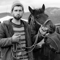 мъж и неговият кон