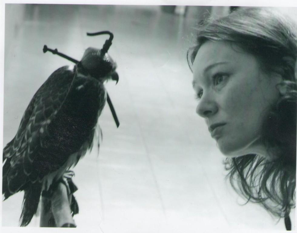 Надзъртам в чуждите животи, а намирам себе си – интервю с Ивелина Берова