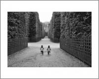 """#11. Версай, 2013, цикъл """"Деца"""" пигментен отпечатък, 40 x 50 см., рамка цена: 120лв"""
